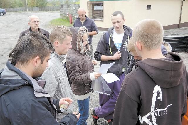 Po raz kolejny grupa społeczników inicjuje akcję sprzątania Miastka.