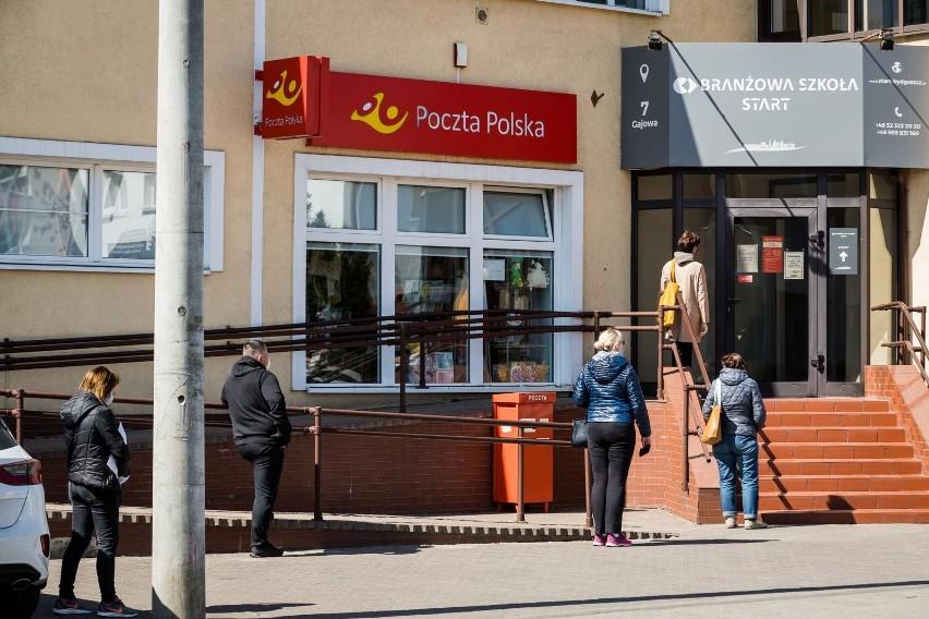 Poczta Polska przywraca możliwość wysyłki listów i paczek do kolejnych krajów. Nowa lista