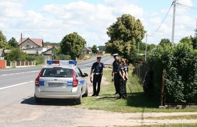 Uczniowie z klasy ogólnopolicyjnej biorą udział, między innymi, we wspólnych patrolach z szydłowiecką policją.