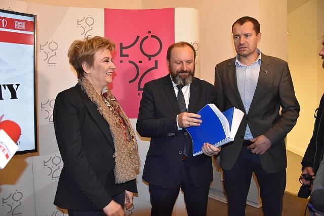 Prezydent Łodzi Hanna Zdanowska i skarbnik Krzysztof Mączkowski zaprezentowali projekt budżetu miasta na 2020 rok.