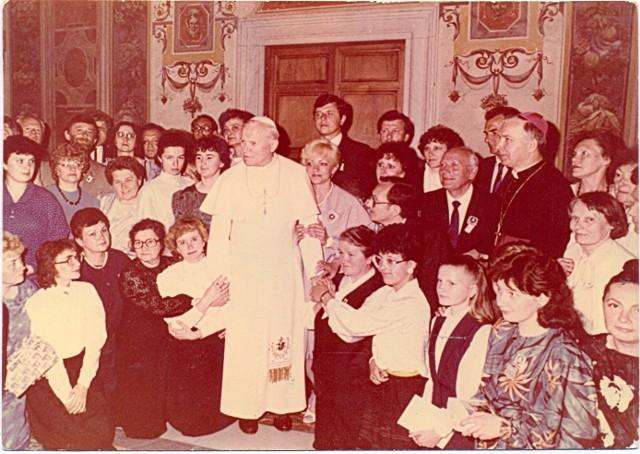 Audiencja dla diecezji zielonogórsko-gorzowskiej - Rzym, kwiecień 1989 r.