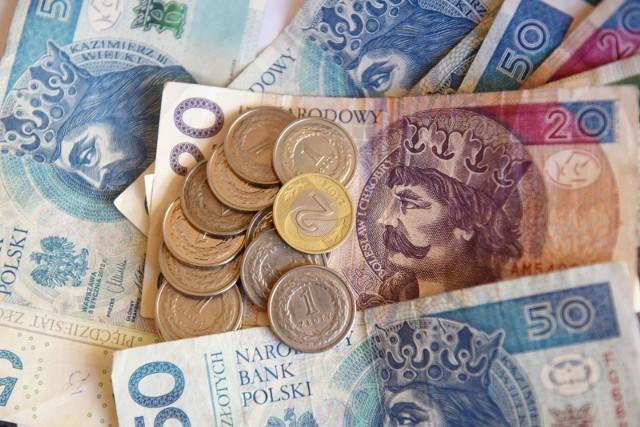 Rząd proponuje podwyżkę płacy minimalnej o 200 zł