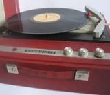 Na czym słuchaliśmy muzyki w latach 60., 70., 80., i 90? Zobaczcie ZDJĘCIA