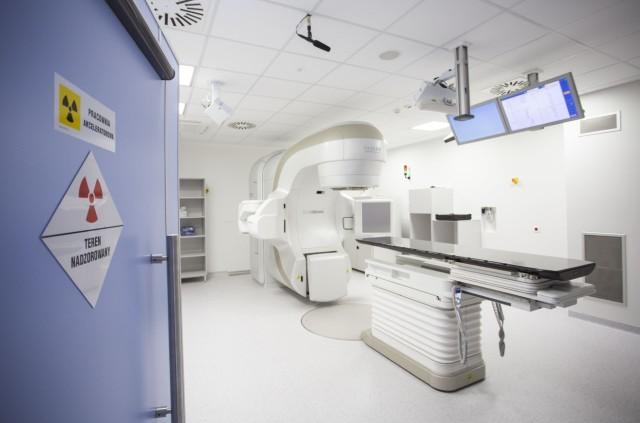 """To """"mercedesy z turbodoładowaniem""""- ocenia prof. dr hab. Rafał Dziadziuszko - koordynator Pracowni Teleterapii i b. konsultant krajowy ds. radioterapii."""