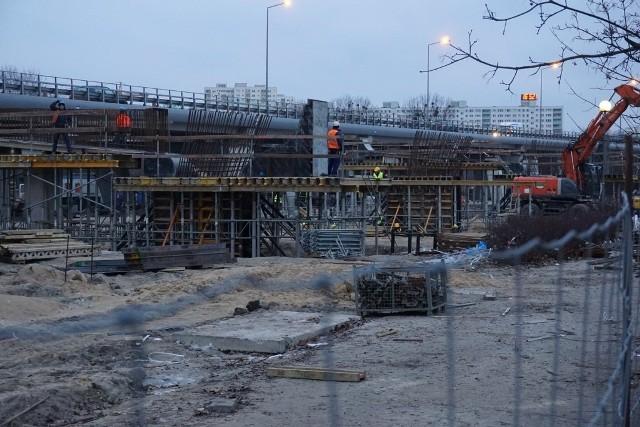 Krzywoustego: Prace przy budowie wiaduktów idą pełną parą