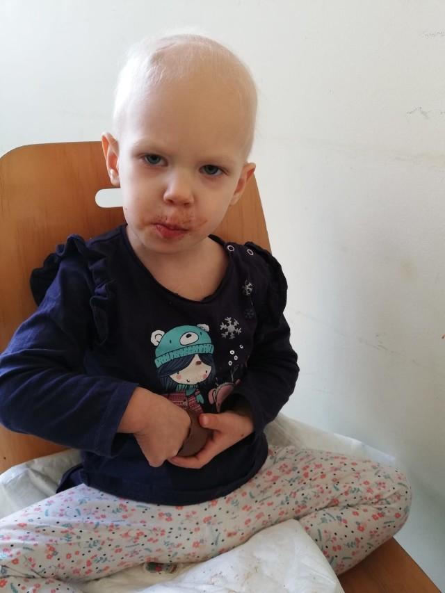 2,5-letnia Liwia dzielnie radzi sobie w walce z chorobą