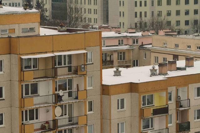 Kieleckie bloki mieszkalneKielce: ceny mieszkań używanych minimalnie rosną