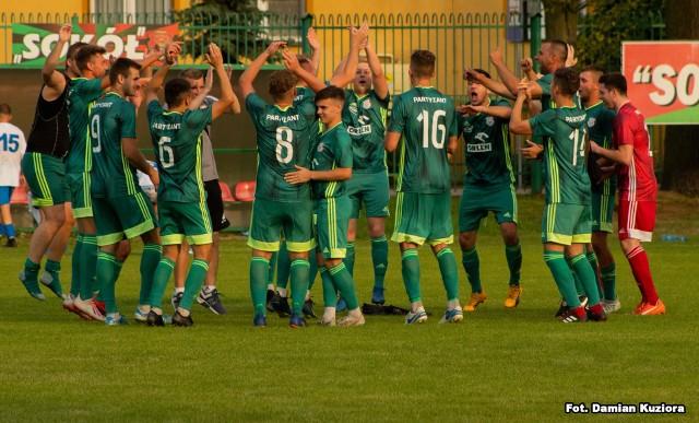 Partyzant (zielone stroje) wygrał w Nisku 2:1