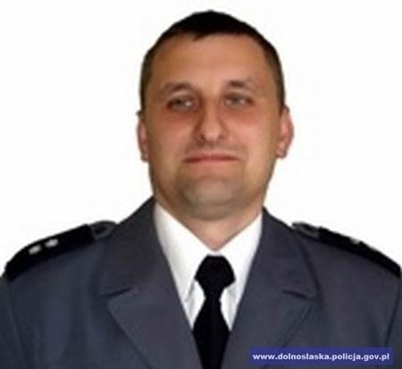 Komisarz Zbigniew Prych to trener kadry policjantów w kickboxingu