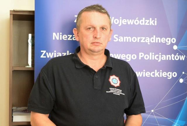 - Domagamy się spełnienia naszych postulatów - mówi Dariusz Brzezicki, przewodniczący NSZZ Policjantów w Radomiu.