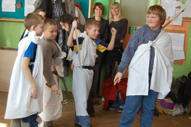Pantomima w wykonaniu uczniów  Zespołu Szkół w Szubinie (klasa Vb)