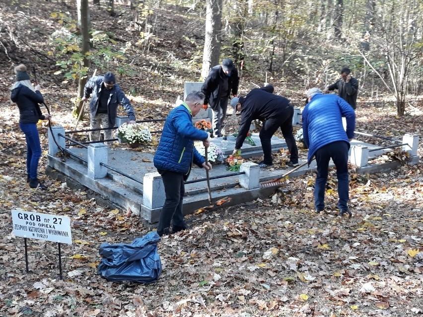 Są pieniadze na utrzymanie cmentarza w Lesie Szpęgawskim. Pojawią się nowe tablice informacyjne, a groby zostaną odnowione