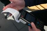 Poznań: Karę za jazdę na gapę zapłacisz kartą płatniczą. Poznańskich kontrolerów wyposażono w terminale mobilne