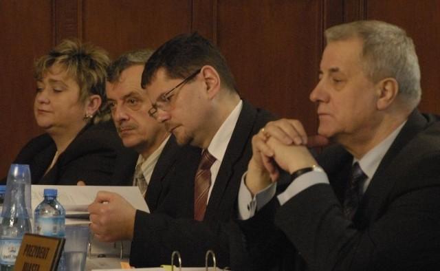 Prezydent Kobyliński i jego sztab - wiceprezydenci i skarbnik miasta.