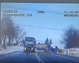 Ostrzegał kierowców przed patrolem policji, trafił na nieoznakowany radiowóz i został ukarany mandatem