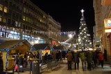 Jarmark świąteczny i iluminacja Piotrkowskiej [ZDJĘCIA]