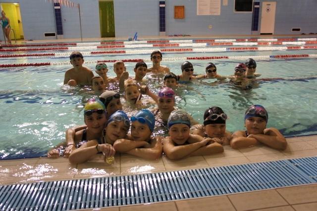 Pływacy z UKS Batory zdobyli 24 medale: 13 złotych, 9 srebrnych, 2 brązowe.