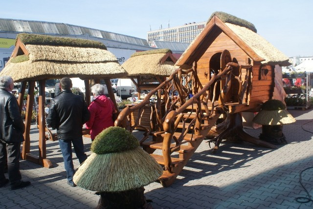 W Expo Silesia trwa kiermasz ogrodniczy, na którym kupicie kwiaty, nasiona, grille, ławki. W hali czekają targi budowlane