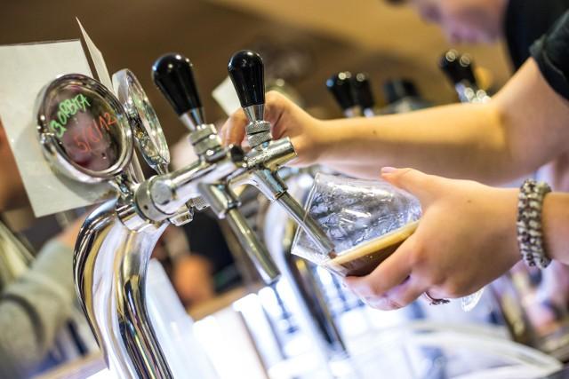 W Przemyślu przeprowadzono ankietę o sprzedaży alkoholu.