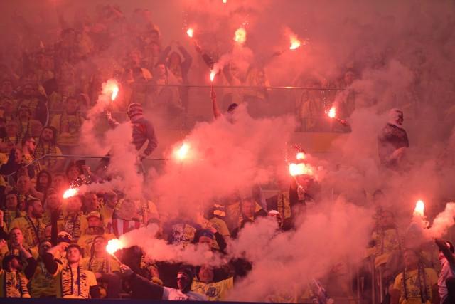 Na finał Pucharu Polski kibice Lecha Poznań i Arki Gdynia przygotowali efektowne oprawy. Zobacz, co działo się na początku spotkania na Stadionie Narodowym.Przejdź do kolejnego zdjęcia --->