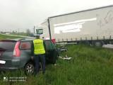 Tragiczny wypadek pod Pabianicami. W zderzeniu z ciężarówką zginął kierowca citroena