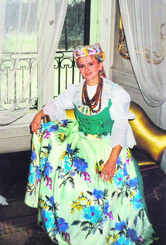 Grażyna Pyka-Toborowicz w stroju śląskim. Pszczyna 1997 r.