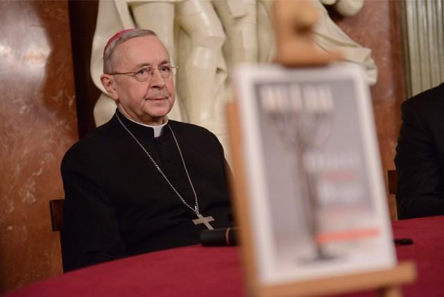 Abp Stanisław Gądecki wzywa polskie parafie, by przygotowały się do przyjęcia uchodźców