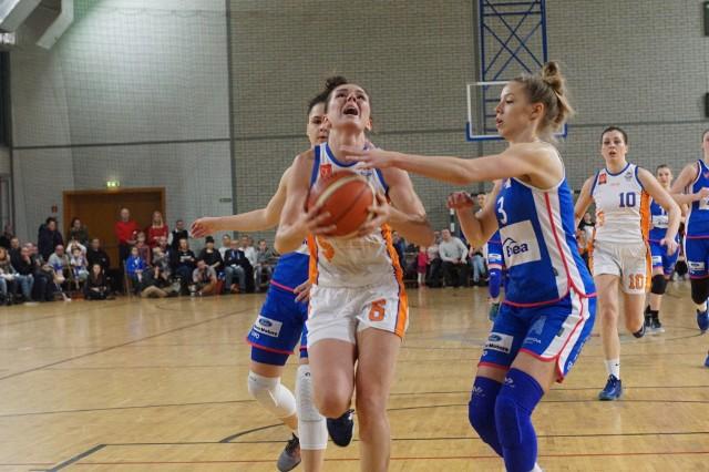 Marta Nowicka w czwartkowym meczu zdobyła dla Enei AZS 12 punktów