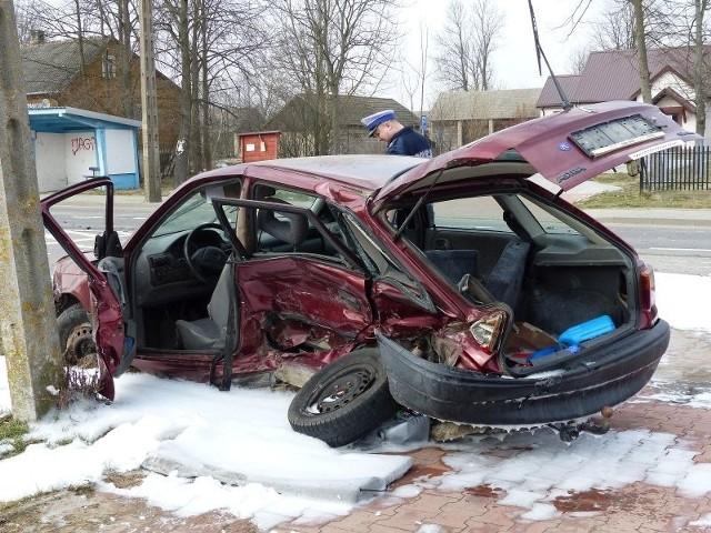 Droga krajowa nr 66 z Bielska Podlaskiego do Zambrowa jest zamknięta w miejscowości Grabowiec. Doszło tam do wypadku, w którym poważnie ucierpiały dwie osoby.