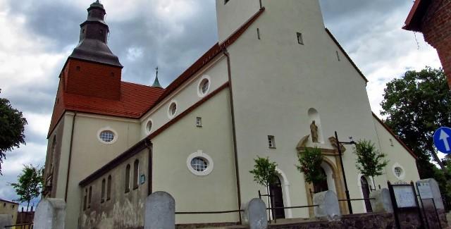 Kościół p.w. Św. Mikołaja w Wielu. https://creativecommons.org/licenses/by-sa/3.0/deed.en