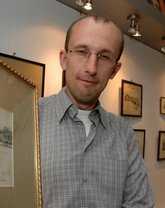 Robert Krzysztof Piotrowski jest dziś znanym w Gorzowie regionalistą. 17 lat temu stanął przed komisją przedpoborową jako niepoważny Robert, który ukrywa swego brata Krzysztofa przed wojskiem.