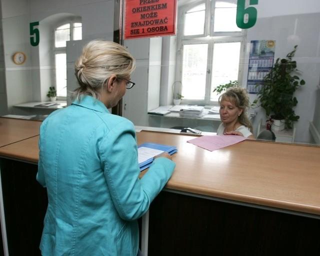 Pani Maria nie wiedziała na jakie konto ma wpłacić pieniądze na organizację wskazaną jej przez sąd.