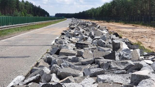 Przebudowa drogi krajowej nr 18 do klasy autostrady A18 na terenie Dolnego Śląska: Golnice - granica województwa. Prace wykonywane podczas wakacji 2021