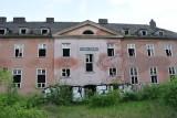 Kozielskie koszary to ruina. W budynki chcą zainwestować jezuici. Co planują tam zrobić?