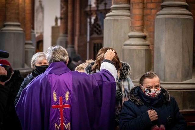 17-02-2021 Środa Popielcowa w białostockiej katedrze