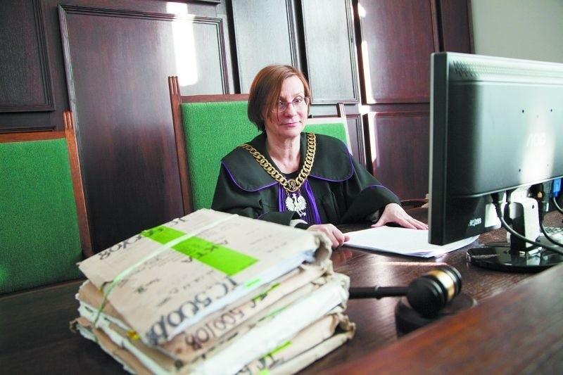 Elżbieta Bieńkowska, przewodnicząca składu orzekającego Sądu Apelacyjnego w Białymstoku uznała, że Krzysiowi należy się odszkodowanie i to w wyższej kwocie, niż orzekł suwalski sąd.