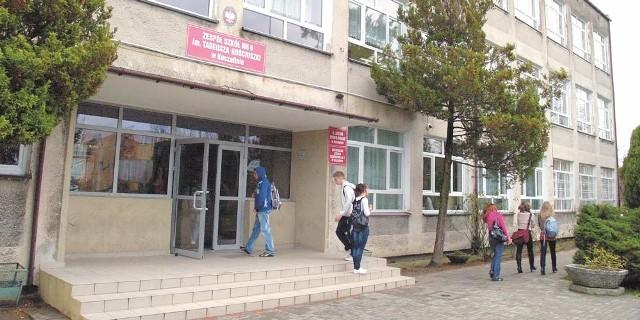 W Zespole Szkół nr 8 uczy się 460 dziewcząt i chłopców.