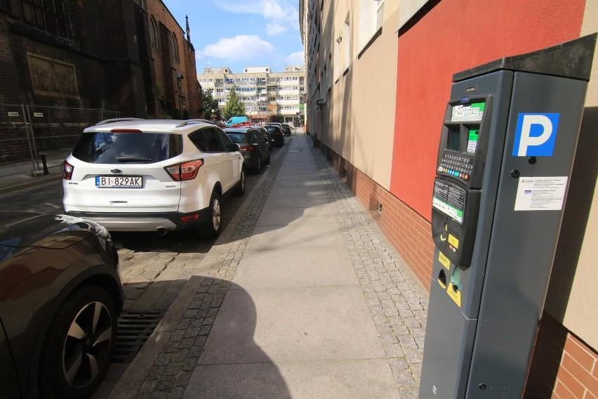 Parkowanie przed skrzyżowaniem...