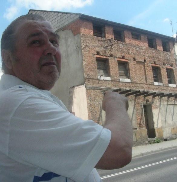 Alfons Króll o kamienicy przy Piastowskiej: - Teraz to tylko problem!