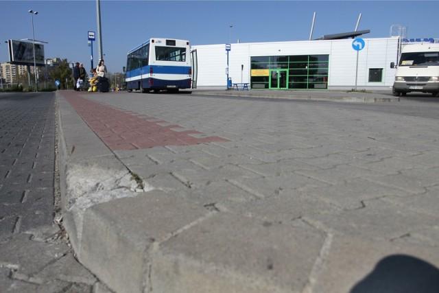 Autobus 193 odjeżdża z 30-minutowym opóźnieniem z pętli Czyżyny Dworzec