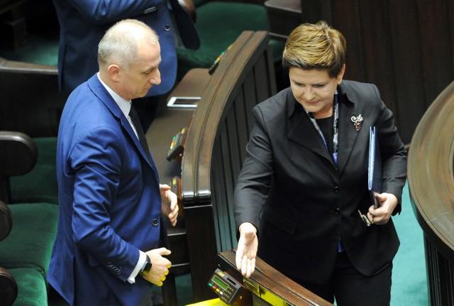Premier Beata Szydło w swoim expose potwierdziła wolę zrealizowania przez rząd wszystkich obietnic wyborczych