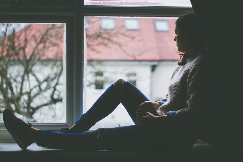 Koronawirus: Jak radzić sobie ze stresem? Psycholog tłumaczy