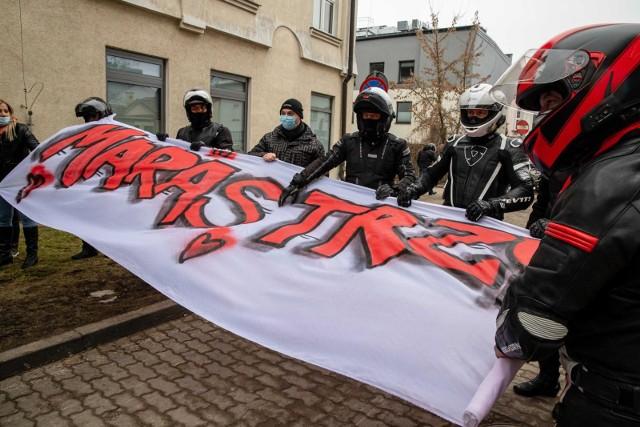 Akcja wsparcia motocyklistów dla chorego kolegi bardzo wzruszyła Marka leczącego się w Białostockim Centrum Onkologii