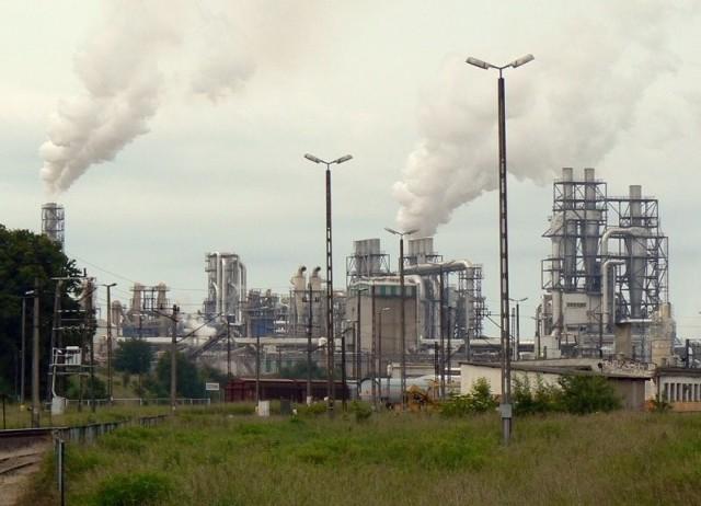"""Spalarnia odpadów poprodukcyjnych, która zamierza postawić na swoim terenie """"Kronospan"""", to zdaniem mieszkańców Szczecinka, olbrzymie zagrożenie dla ich zdrowia. Dlatego działają, by nie dopuścić do realizacji inwestycji."""
