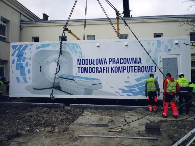 Nowoczesny tomograf komputerowy trafił do krakowskiego szpitala im. S. Żeromskiego.