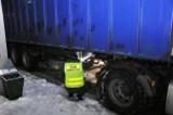 Podczas kontroli na granicy w Medyce, strażnicy graniczni wykryli kradzioną naczepę ciężarówki [ZDJĘCIA]