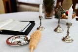 Księża z Pucka wymyślili sposób na kolędę online. Wierni spotykają się z kapłanami... wirtualnie. Jak to działa?