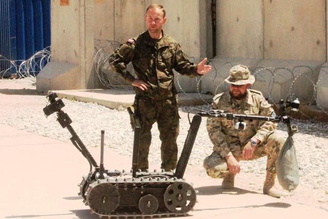 Logistycy z Opola używają Talona IV w Afganistanie.