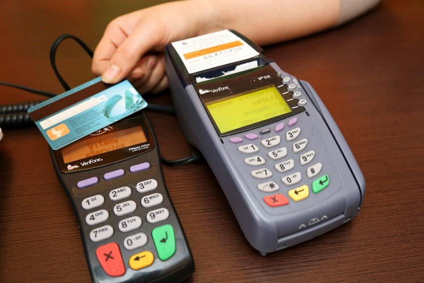 Obecnie w Polsce jest już 37 mln kart płatniczych.