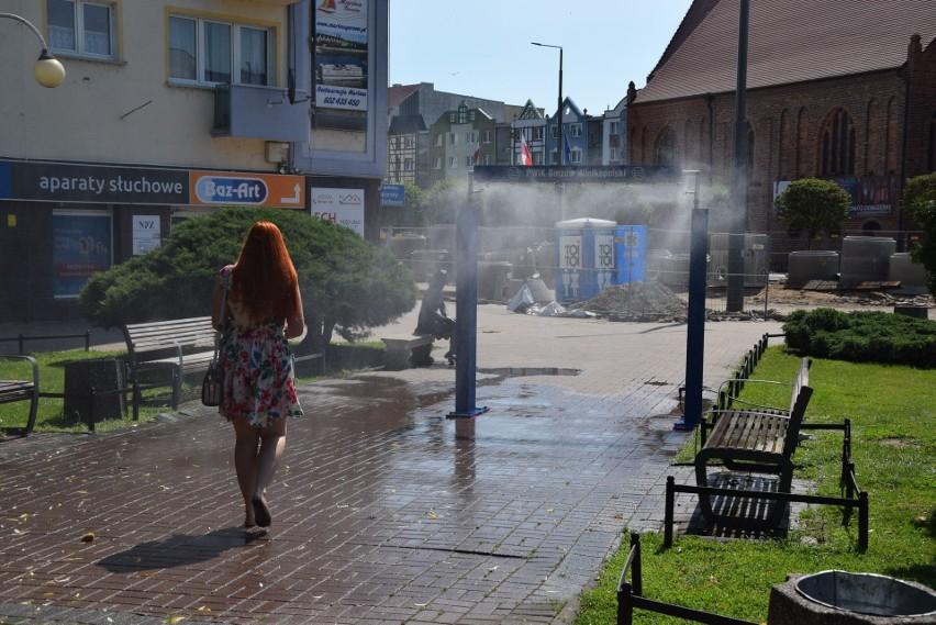 Miasto ustawia kurtyny wodne, bo temperatura powietrza...